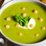 Zupa krem z groszku i brokułu