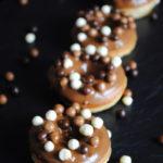 Doughnuts – donuts – żytnie pieczone pączki z dziurką