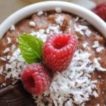 Zapiekane czekoladowe risotto z płatkami jaglanymi i wiórkami kokosowymi