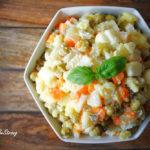 (Nie)tradycyjna sałatka jarzynowa (również w wersji wegańskiej)